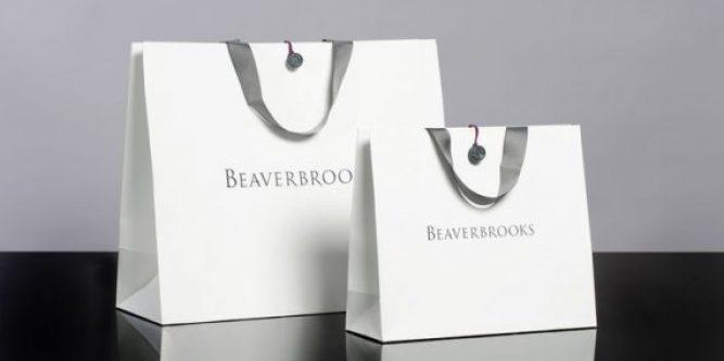 Mẫu in túi giấy cho shop thời trang theo yêu cầu