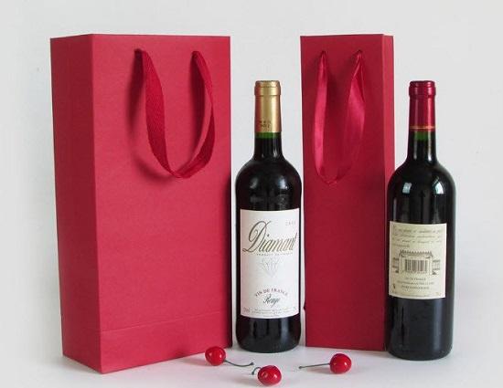 in túi giấy đựng rượu giá rẻ
