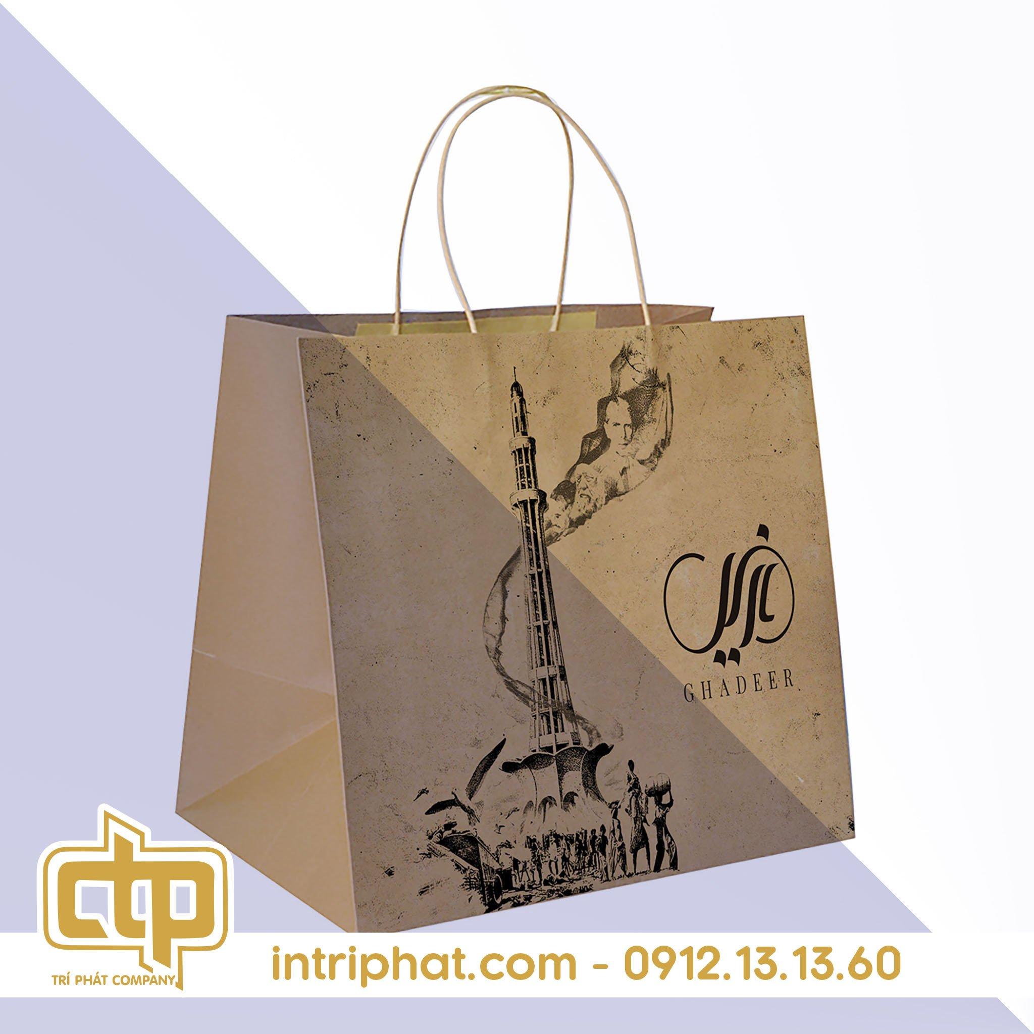 in túi giấy kraft có quai cho shop thời trang trí phát